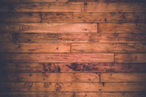 Jak położyć płytki drewnopodobne?